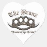 El Bronx - nudillos de cobre amarillo claveteados Colcomanias De Corazon Personalizadas