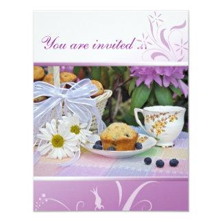 """El brunch del desayuno del cumpleaños invita invitación 4.25"""" x 5.5"""""""