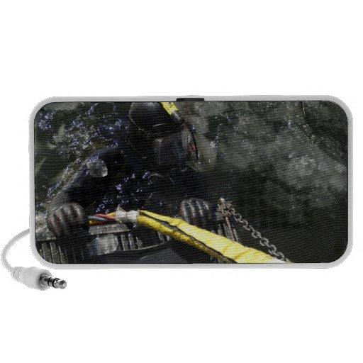 El buceador de la marina de guerra de los E.E.U.U. iPod Altavoz