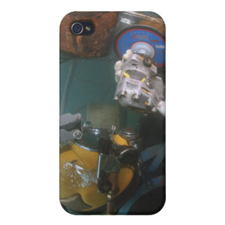 El buceador de la marina de guerra de los E.E.U.U. iPhone 4 Carcasas