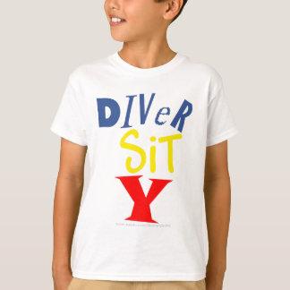 El buceador sienta la camiseta de la juventud de Y Remeras