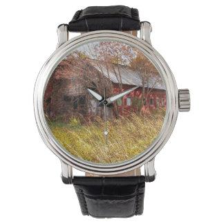El buen reloj de días agrícola viejo