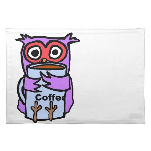 El búho abraza la taza de café mantel