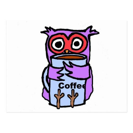El búho abraza la taza de café tarjetas postales