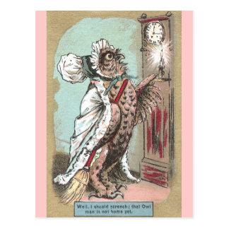 El búho de chillido espera al último marido postal