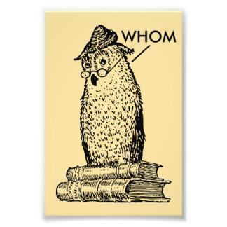 El búho de la gramática dice quién