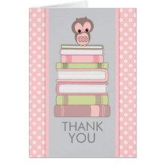 El búho dulce en los libros le agradece cardar felicitacion