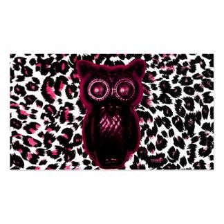 El búho en leopardo rosado mancha el fondo tarjetas de visita