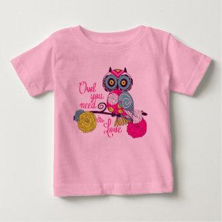 El búho que usted necesita es amor playera de bebé
