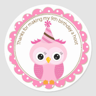 El búho rosado del 9no cumpleaños de los chicas le pegatina redonda