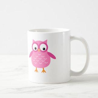 El búho rosado lindo añade el texto para taza básica blanca