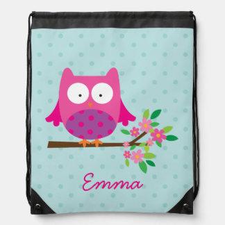 El búho rosado lindo personalizó la mochila del