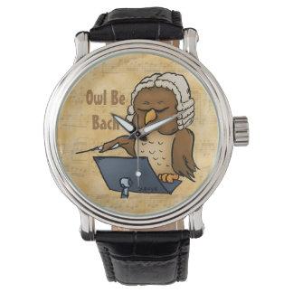 El búho sea reloj divertido del dibujo animado de