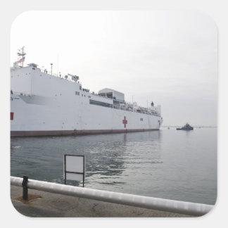El buque hospital militar del comando del Sealift Pegatina Cuadrada