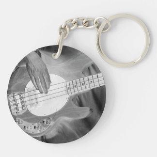 el bw del bajista invierte el drumm de cuatro de llavero redondo acrílico a doble cara