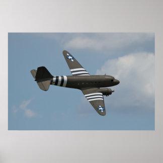 El C-47 invade Warbirds sobre Delaware Posters