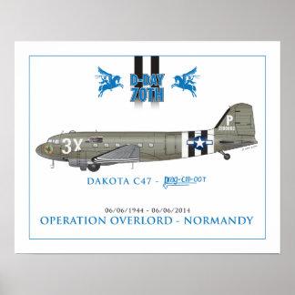 El C-47 SKYTRAIN de DAKOTA - ARRÁSTRELOS OOT Póster