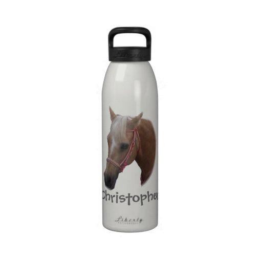 El caballo apenas añade nombre botella de agua