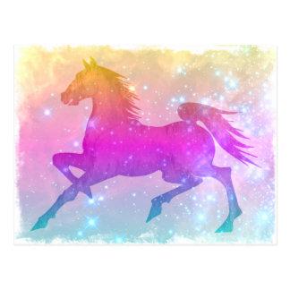 El caballo colorido del corcel cósmico protagoniza postales