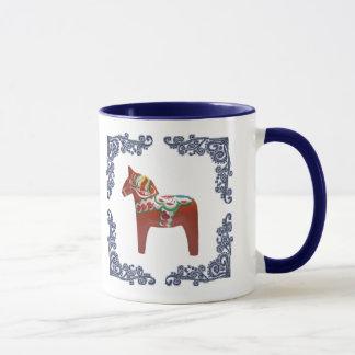 El caballo de Dala del sueco con Delft azul Taza
