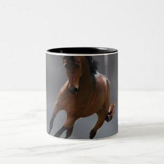 El caballo del vaquero llamó Riboking Taza Dos Tonos