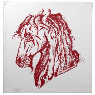 El caballo enojado del diablo en rojo y escoge su  servilleta