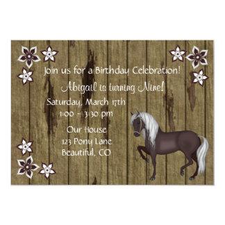 """El caballo, flores, el cumpleaños occidental de invitación 5"""" x 7"""""""