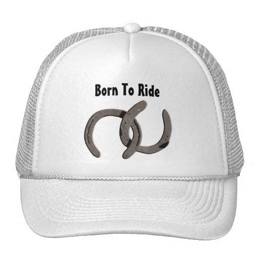El caballo gris calza nacido montar gorro de camionero
