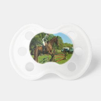 el caballo que salta a la alegría y a la paz chupetes para bebes