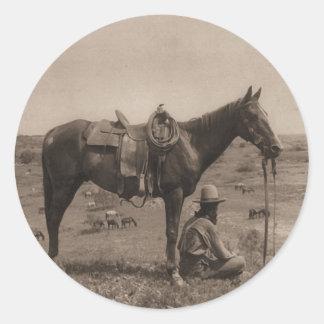 El caballo Wrangler 1910 Pegatina Redonda