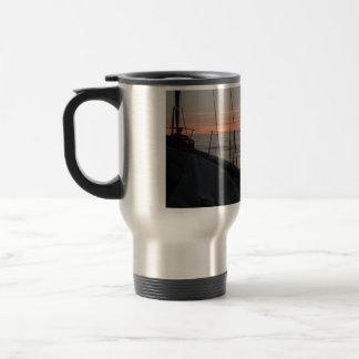 El cabo Trafalgar que ensucia alrededor en la taza