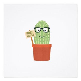 """El cactus libera abrazos invitación 5.25"""" x 5.25"""""""