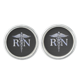 El caduceo del RN de la enfermera registradoa Mancuernillas