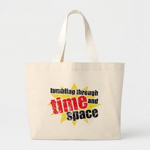 El caer a través de tiempo y de espacio bolsa tela grande