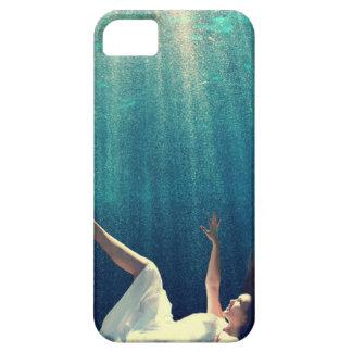 El caer a través del caso del iphone 5 del agua iPhone 5 Case-Mate cárcasa
