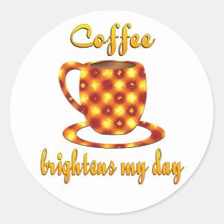 El café aclara mi día etiqueta redonda