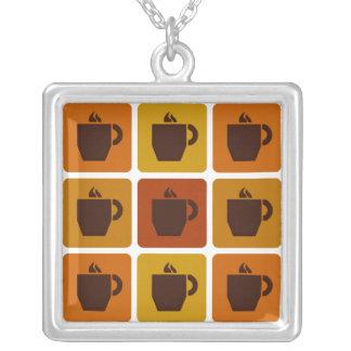 El café ajusta el collar