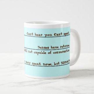 El café divertido despierta la taza taza grande