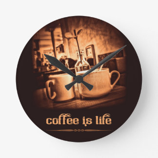 El café es vida reloj redondo mediano