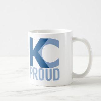 ¡El café prueba mejor con una porción del orgullo Taza Clásica