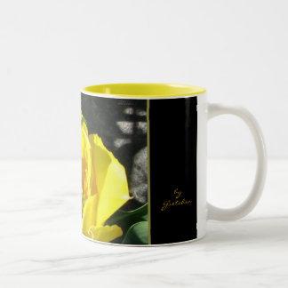 El café y el té del tulipán de Sun asaltan cerca Taza De Dos Tonos