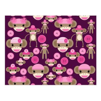 El calcetín rosado femenino lindo Monkeys a chicas Postal