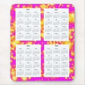 El calendario de 4 años (2012-2015) en chispas tapetes de raton