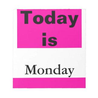 El calendario visual equipa el día de la semana lu bloc de papel