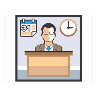 El calendario y el reloj del hombre del puesto de postales