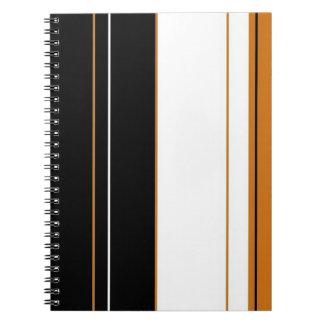 El calicó raya el cuaderno