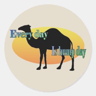 """El camello """"cada día es día de chepa """" pegatina redonda"""