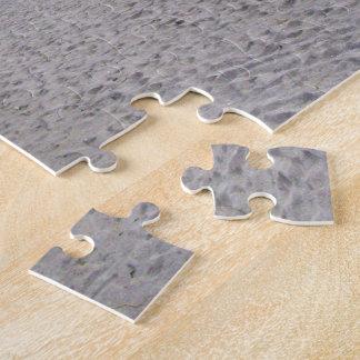 El caminar a lo largo de siesta cierra la playa rompecabezas