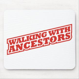 El caminar con los antepasados alfombrillas de ratón