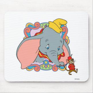 El caminar de Dumbo Dumbo y de Timot Alfombrilla De Ratón